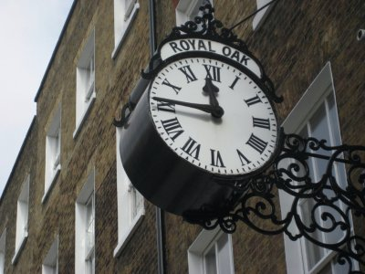 Royal_Oak_Clock_2.jpg