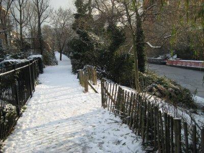 Snowy_Walkway_1.jpg