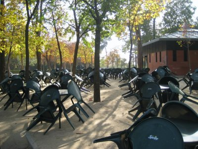 Tables at snack bar in Parque de El Retiro