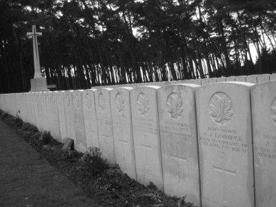 V050_Vimy_Cemetery.jpg