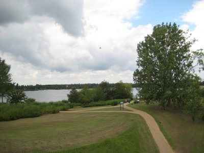 Willen_Lake_Path.jpg
