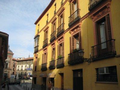Yellow building in Sun