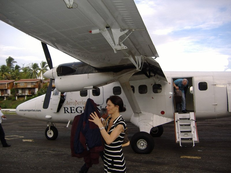 Contadora (OTD) airport on landing