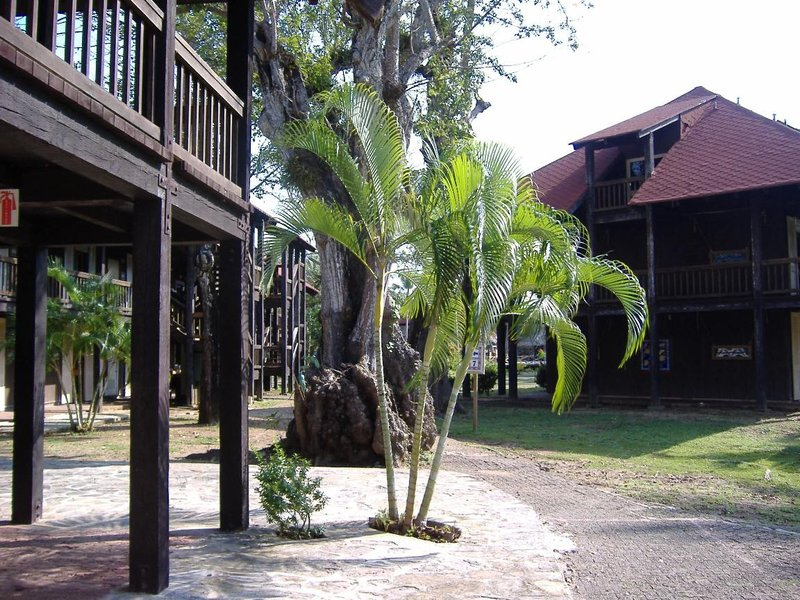 The grounds of Hotel Contadora