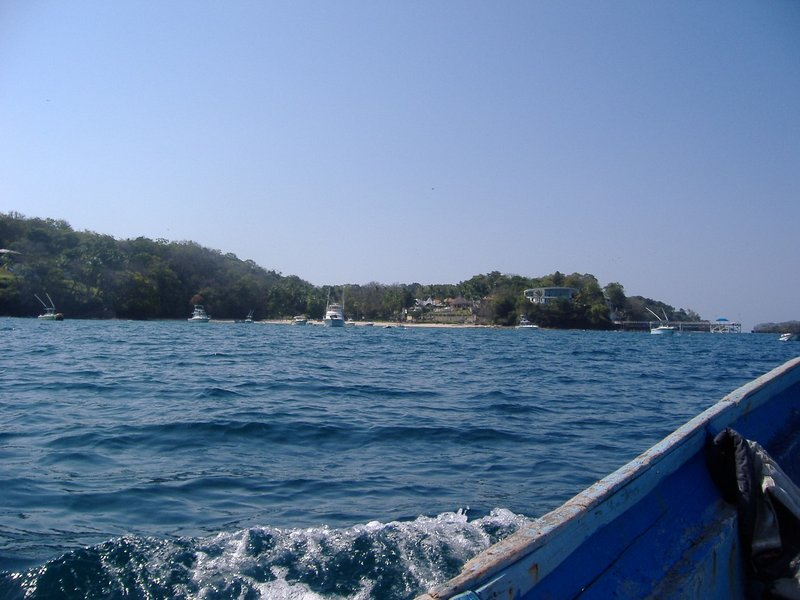 Contadora's nicer homes as seen from the water