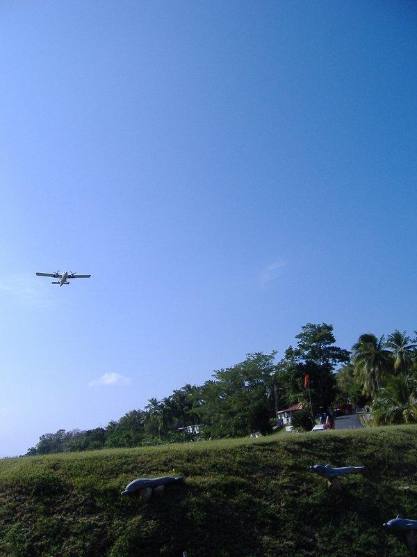 A plane taking off, Contadora (OTD)