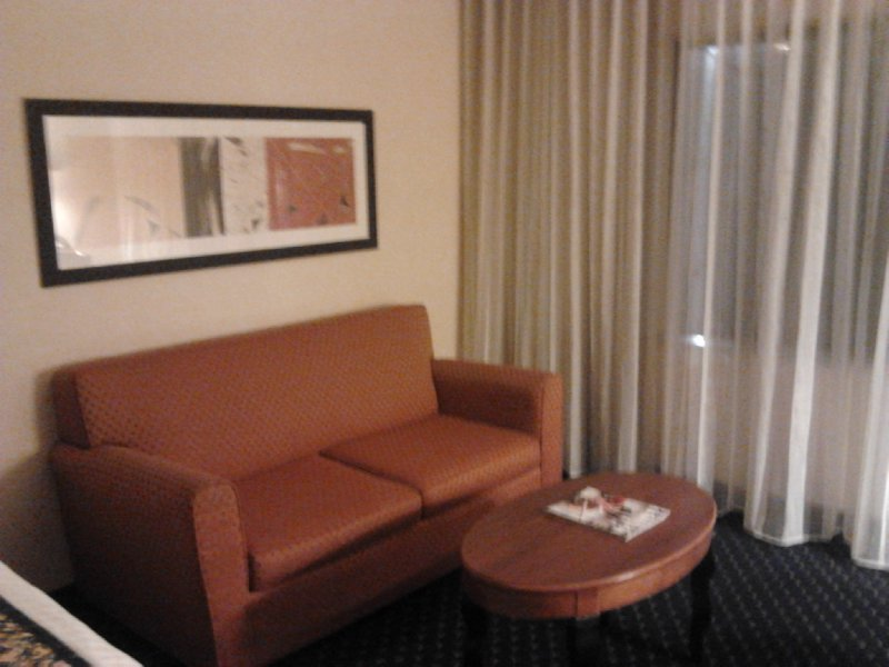 Sitting area in King Room at Courtyard Hamilton, Courtyard Marriott