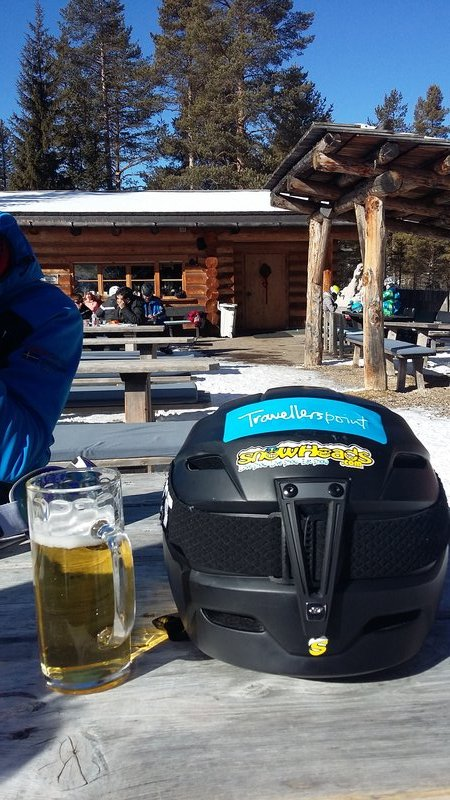 Is there a Travellerspoint Ski Club?  I've decked out my helmet as such anyway