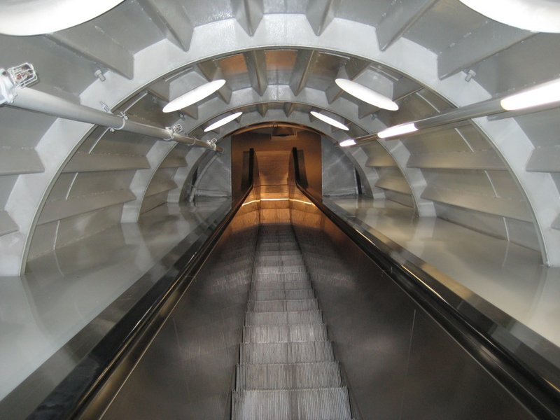 Long Escalator Up, Atomium