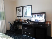 Fairfield Inn & Suites Toronto Mississauga desk