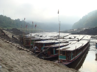 boats mekong pakbeng