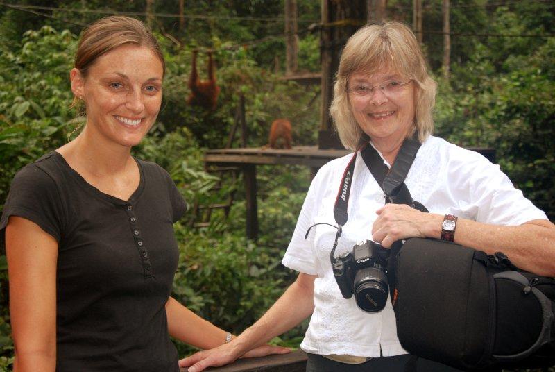 lori and mum orangs