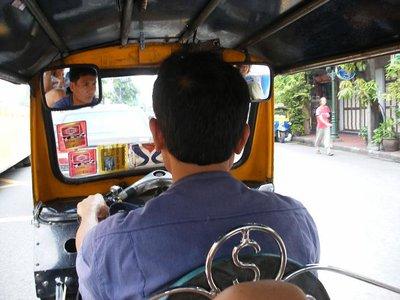 tuktuk_fahrer.jpg