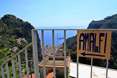 steps_to_amalfi.jpg