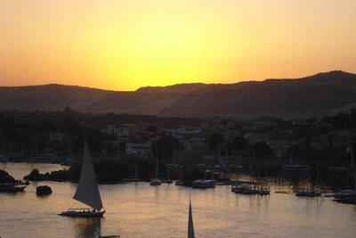 Sonnenuntergang noerdlich von Aswan
