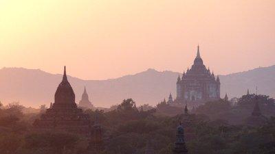 Sonnenuntergang über Bagan