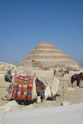 Stufenpyramide in Saqqara - aeltestes menschengemachtes Bauwerk der Welt