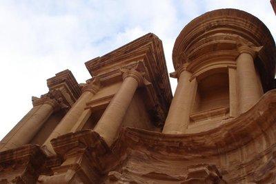 ... und ganz zu oberst das Kloster von Petra
