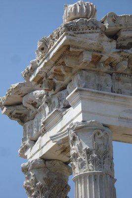 prächtige Säulenkunst