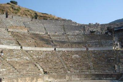 grosse Theater - gebaut zwischen 41 - 117 AD
