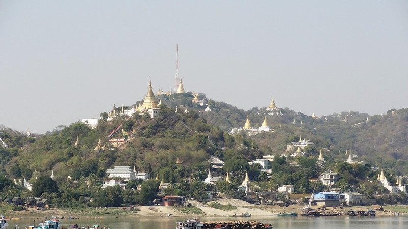 large_Sagaing_bei_Mandalay.jpg