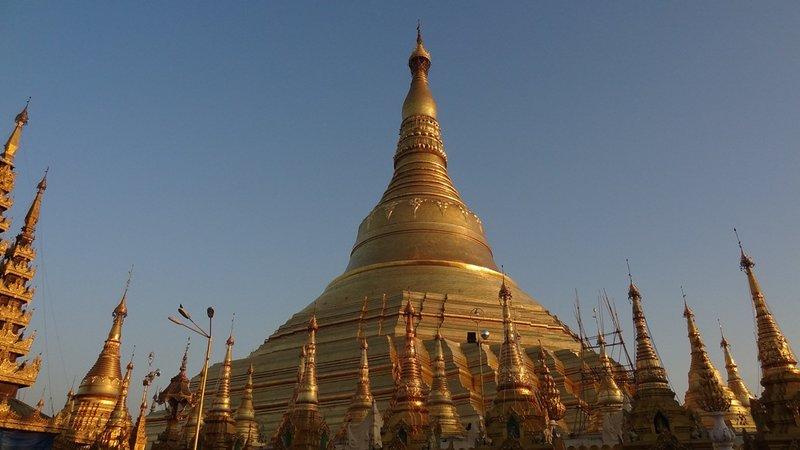 large_Shwedagon_Paya_3.jpg