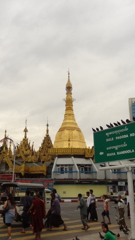 large_Sule_Paya_Yangon.jpg