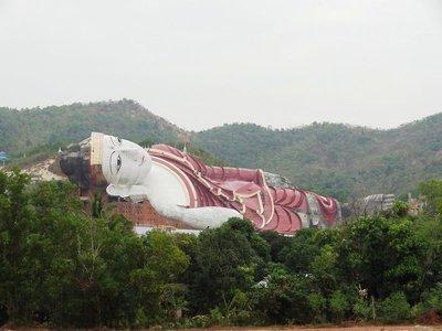 liegender Buddha von Mudon - mit 182m Länge der grösste liegender Buddha der Welt