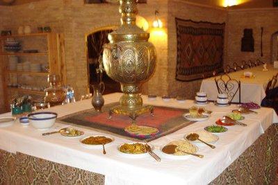 unser Mittagsmahl in der Karawanserei