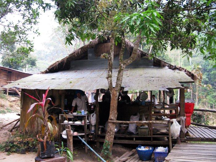 15 mar trek3 hut