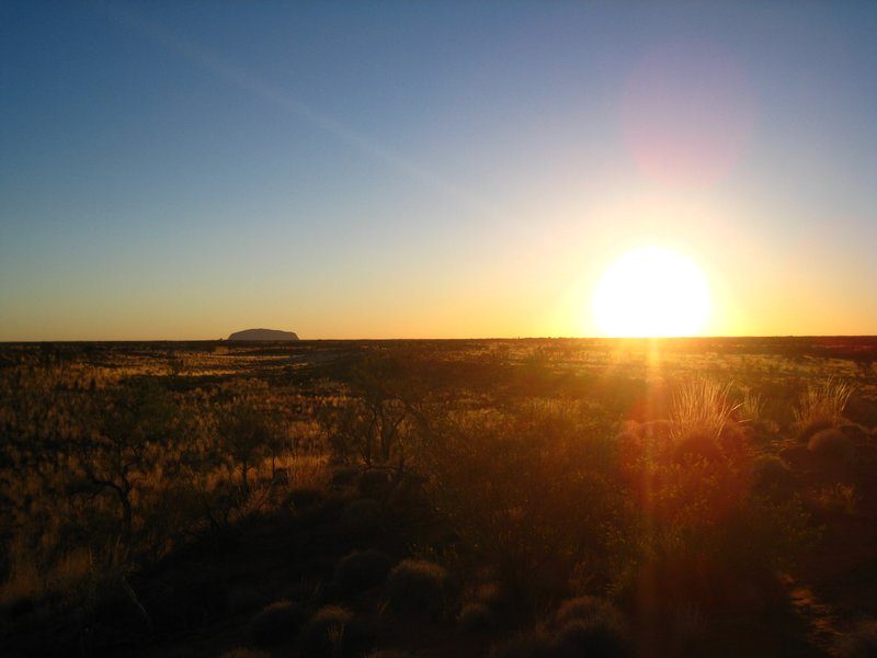 Sonnenaufgang am Uluru...