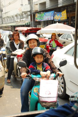 TH Chiang Main kid on motorbike
