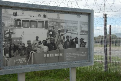 Picture of the prisoners leaving Robben Island after a deal to free political prisoners was negotiated by Mandela (along with his political party, the African National Congress - ANC) and the Apartheid government.