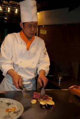 We had a delicious Kobe beef lunch at Wakkoqu restaurant at the source in Kobe. It was the best meal we had in Japan!
