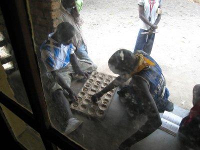 A common Malawi board game, Boa.