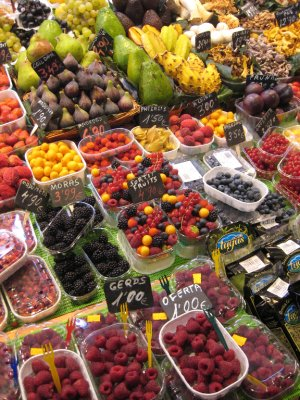 La Boqueria on Las Ramblas sells delicious fruits and veggies.