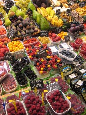 La Boqueria on Las Ramblas sells delicious fruits and veggies.