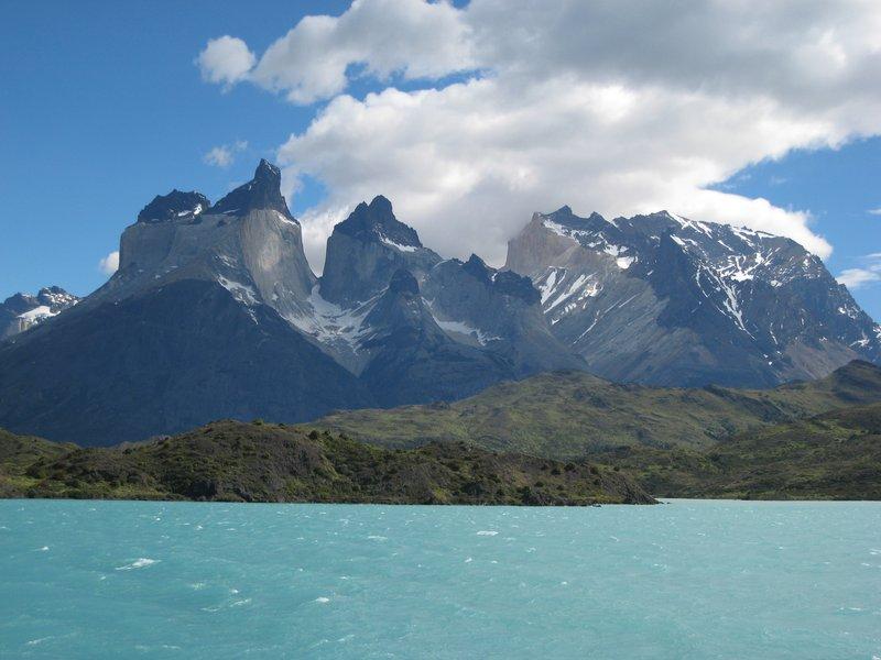 Los Cuernos from Lago Pehoe