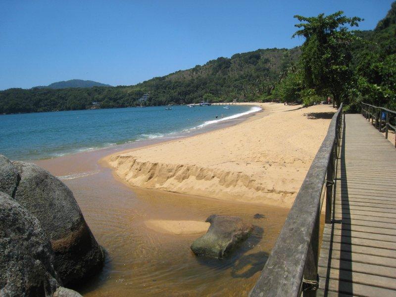 Ilha Grande Praia Palmas walkway