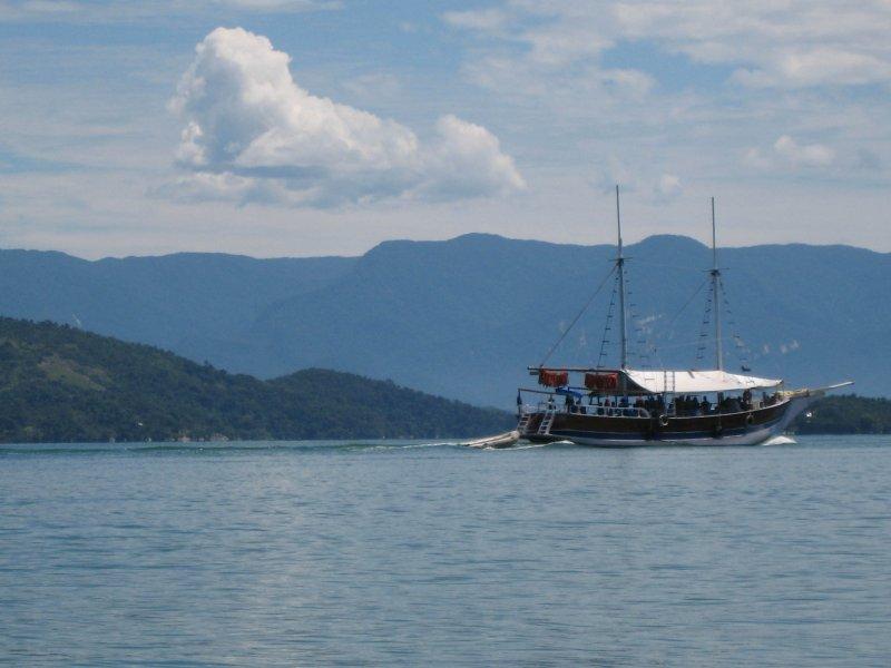 Paraty schooner