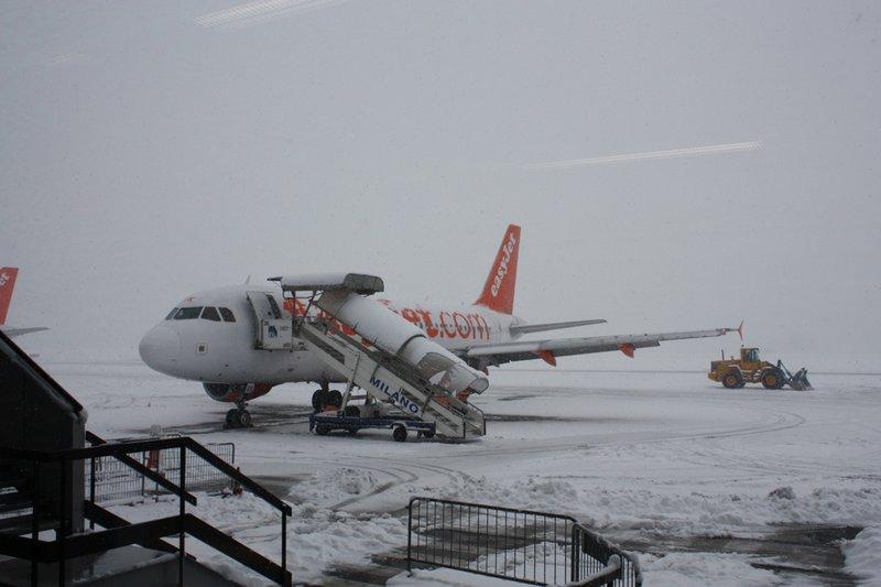 Plane stuck in Milan