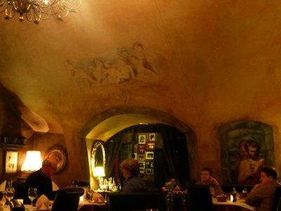 7_angel_restaurant.jpg