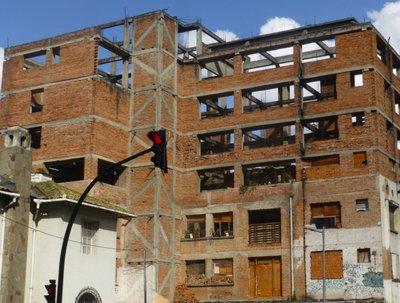 Abandoned_building.jpg