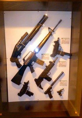 Esobar_s_weapons.jpg