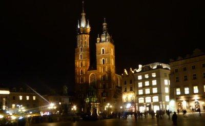 Market_square_at_night.jpg