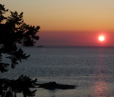 Sunrise_on_Gabriola.jpg