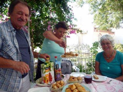 Turkish_tea_time.jpg