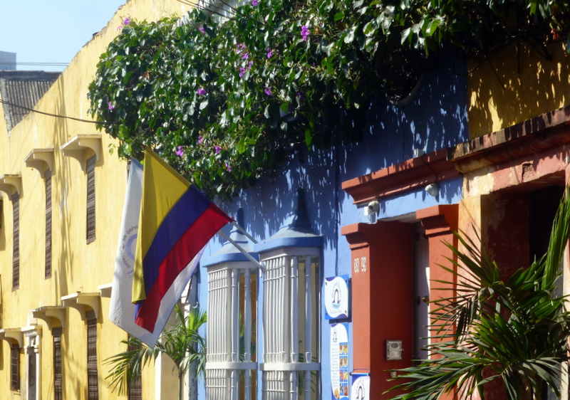 large_Colourful_houses_Cartagea.jpg