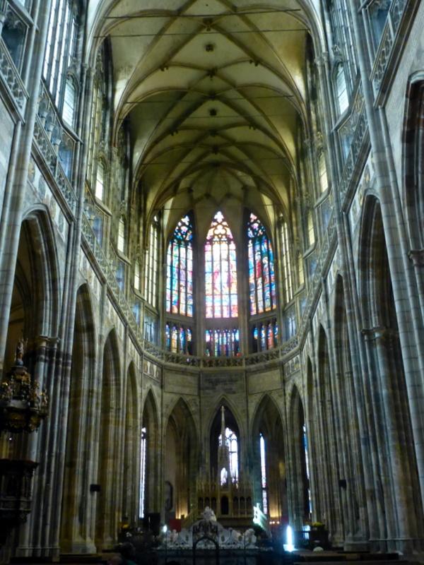 large_St_Vitus_Cathedral.jpg