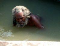 Bathing_in_the_Ganges.jpg